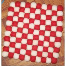 Felt balls mat-16inchX16inch-red & white