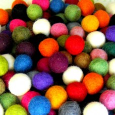 1.5cm multicolor felt balls
